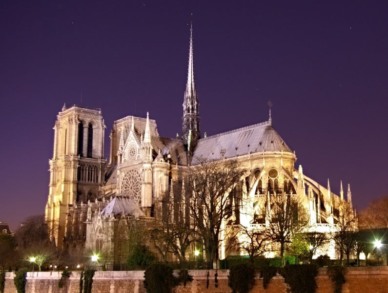 http://paulthompson.us/blog/wp-content/uploads/2008/08/795px-notre_dame_de_paris_by_night_time.jpg